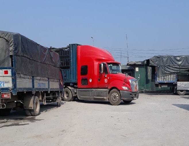 Xe tải chuyển hàng bắc nam